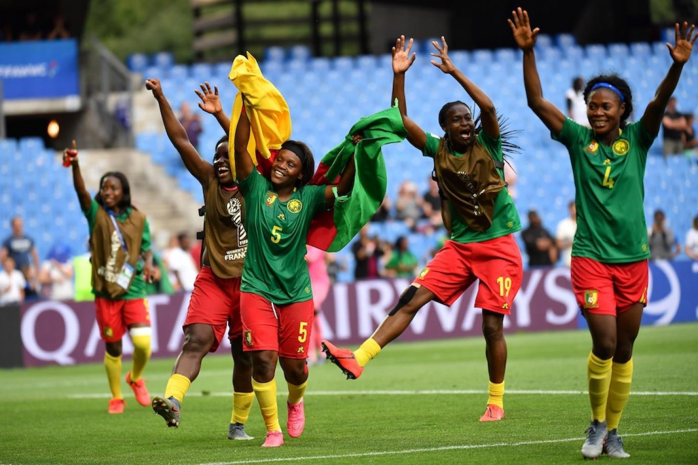 پیش بازی موزامبیک و کامرون