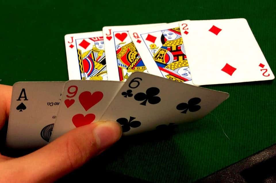 بازی پوکر استاد ۷ کارته